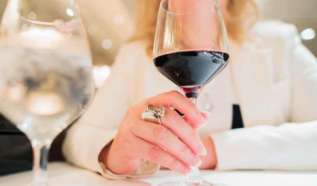 Лечение женского алкоголизма в Гатчине анонимно