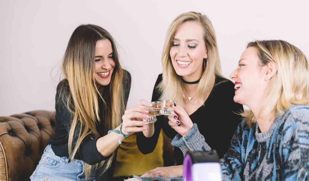 Лечение женского алкоголизма в Гатчине круглосуточно